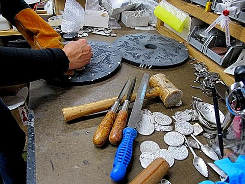 Work Table in the Casting Shop at ecolemamie